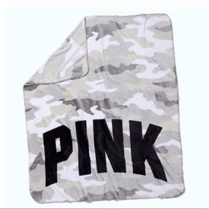 Vs pink cozy camo blanket